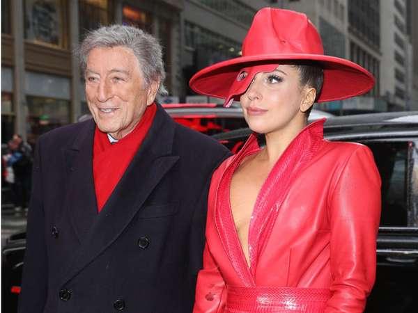 Merah Sensasional Lady Gaga