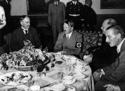 Diktator Dunia dan Makanan: Kim Il-sung Seleksi Beras dan Hitler Punya 15 Pencicip Makanan (1)