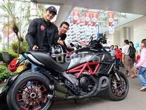 Nyemplak Ducati, Gunawan Kecelakaan dan Patah Kaki
