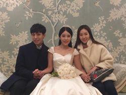 Cantiknya Kim Sa Eun, Istri Sungmin SuJu Bergaun Pengantin