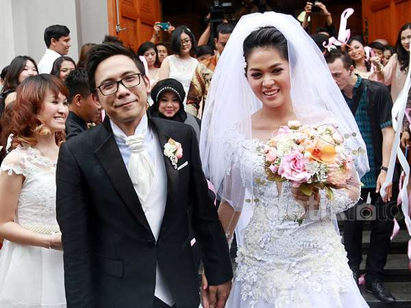 Just Married! Foto-foto Pernikahan Gracia Indri dan David 'NOAH'