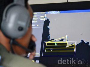 Pesawat CN-235 Dapati Benda Terapung di Lokasi Jatuhnya AirAsia