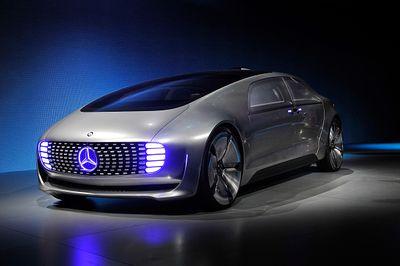 Futuristik! Mobil Tanpa Sopir Mercedes Benz