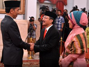 Jokowi Sumpah 2 Hakim MK