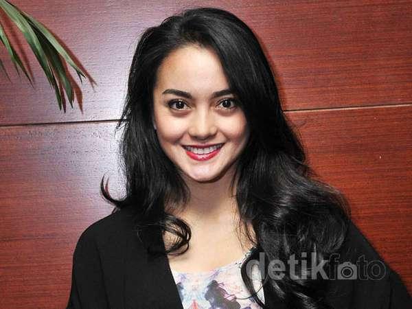 Hot Single Parent, Ririn Ekawati