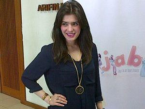Pakai Jilbab Selama Syuting, Carissa Putri Sakit Kepala