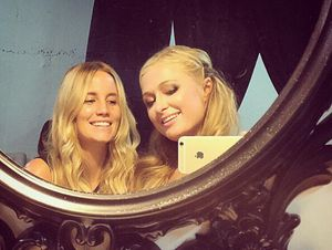 Cus...! Paris Hilton Terbang ke Bali Hari Ini