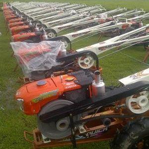 Ini Traktor-traktor Gres yang Siap Dibagikan Gratis ke Petani oleh Jokowi