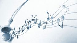 Mayoritas Anak Muda Indonesia Mendengarkan Musik Lewat Ponsel