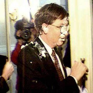 Kenangan Memalukan Bill Gates Saat Dihantam Pie