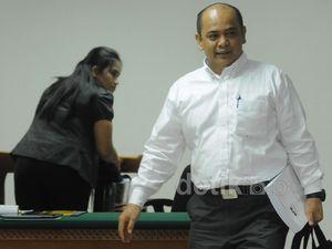 Gulat Manurung Dituntut 4,5 Tahun Penjara