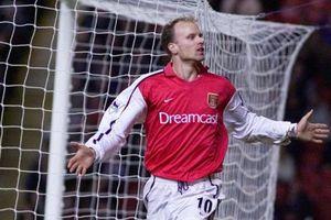 Kisah Dennis Bergkamp, Legenda Arsenal yang Takut Terbang