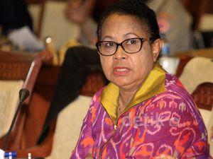 Menteri Yohana Rapat Kerja dengan Komisi VIII