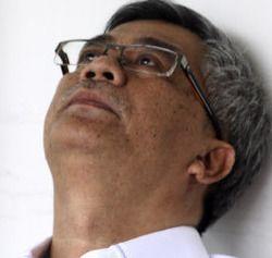 Akil: Penyemir Sepatu, Anggota DPR, Ketua MK dan Mengakhiri Hidup di Bui