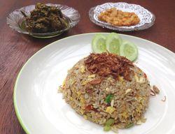 Nancys Place Cafe: Gurih Pedas Nasi Goreng Cakalang dan Ayam Woku Balanga