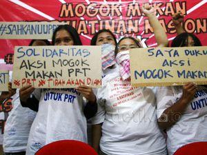 Aksi 100 Perempuan Mogok Makan untuk PRT