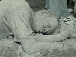 Wedhus Gembel Bikin Penduduk Jadi Zombie di Trailer Kampung Zombie