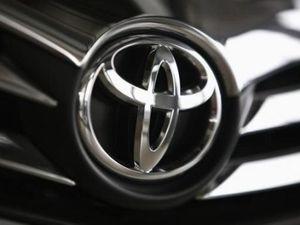 Transmisi dan Power Steering Rusak, Toyota Tarik Ratusan Ribu Mobil