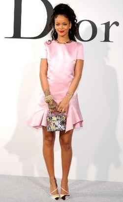 Rihanna Jadi Model Kulit Hitam Pertama Untuk Iklan Dior