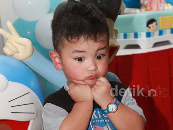 So Cute! Pipi Anak Wendy 'Cagur' Merah Merona