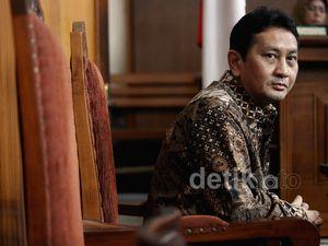 PPATK Tak Hadir, Praperadilan Udar Pristono Ditunda