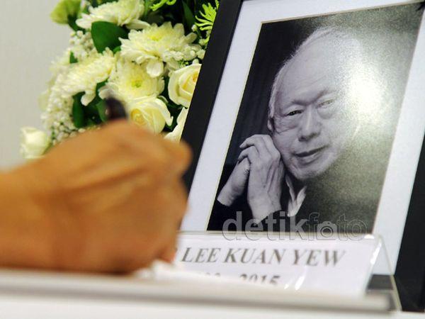 Menhan Sampaikan Belasungkawa untuk Lee Kuan Yew