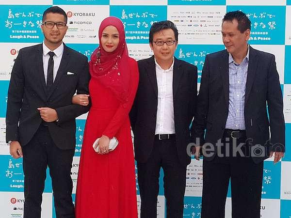 Revalina S Temat Berhijab Merah di Okinawa Internasional Film Festival