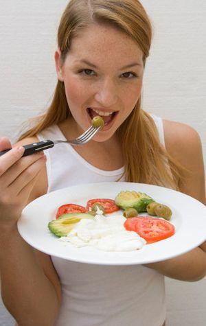Makanan yang Perlu Dihindari Sebelum Olahraga Lari Agar Hasil Maksimal