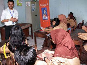 Edukasi Dunia Kerja untuk Siswa SMK