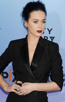 Katy Perry Harapkan Teman Kencan yang Bisa Melucu