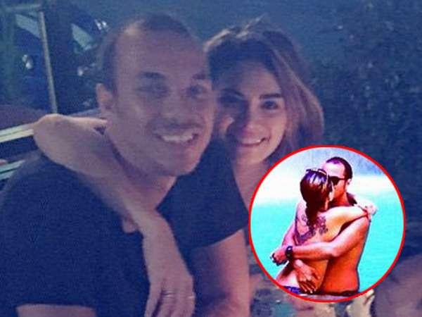 Ciuman dengan Pacar Baru, Nikita Mirzani Tampak Topless