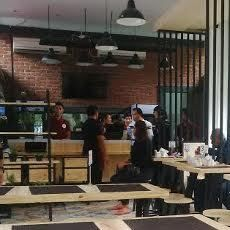 Loko Cafe Hadir di Stasiun Gubeng