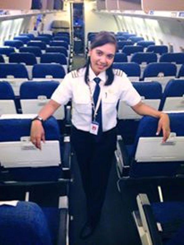 Semangat Emansipasi Vivin, Pilot Perempuan Pertama dari