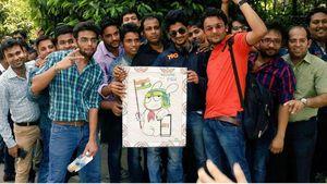 Ribuan MiFans India Mengular di Pinggir Jalan