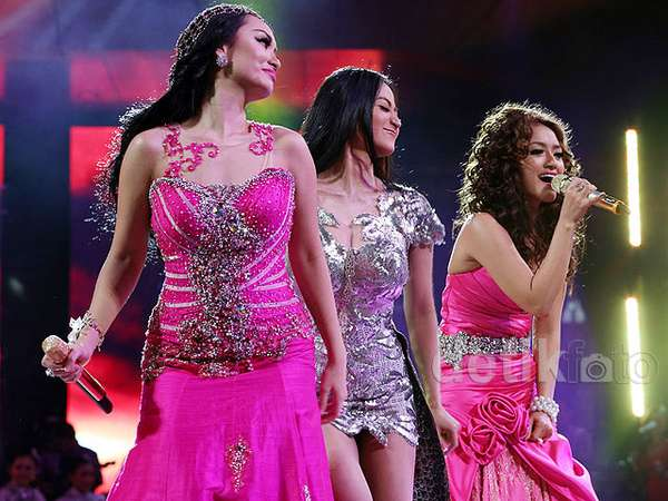 Digoyang! Siti Badriah dan Zaskia 'Gotik' Panaskan 'Dag Dig Dut'