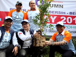 May Day, Menaker Gelar Aksi Tanam Pohon