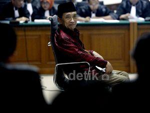 Fuad Amin Jalani Sidang Perdana
