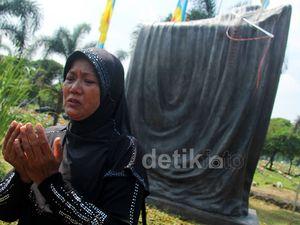 Peresmian Prasasti Mei 98 di TPU Pondok Rangon