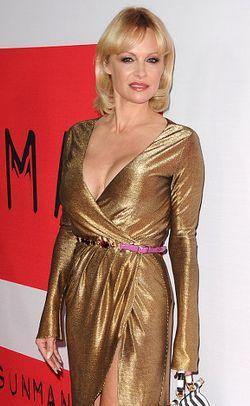 Selamatkan Lingkungan, Pamela Anderson Kembali Pose Tanpa Busana