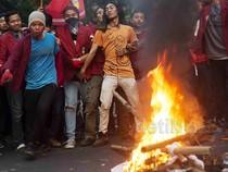 Mahasiswa Demo di Depan Istana