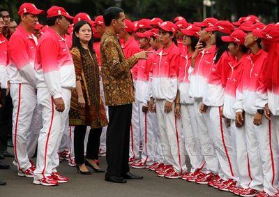 Jokowi Lepas Kontingen SEA Games 2015