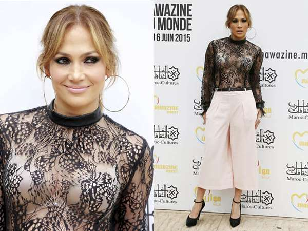 Berbaju Transparan, Jennifer Lopez Pamer Bra