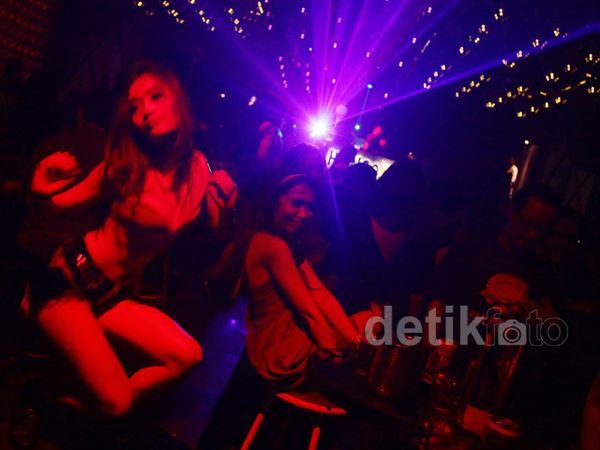 Jakarta Belum Sepi Saat Malam