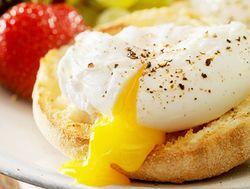 Begini Trik Agar Bentuk Poached Egg Lebih Cantik!