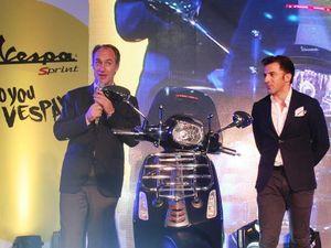 Del Piero Lelang Motor Vespa untuk Amal