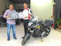 Sumringah Wajah Pemilik Moge Honda Pertama di Jakarta