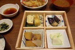 Uchino Shokudo: Gurih Hangat Beef Sukiyaki Hot-pot dan Uchino Shokudo Set dengan Rasa Otentik