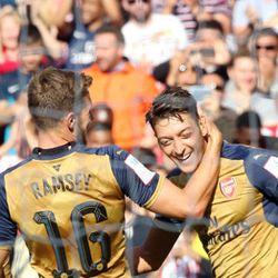 Arsenal Pesta Enam Gol Tanpa Balas ke Gawang Lyon