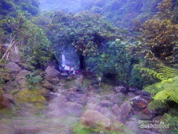 Libur Akhir Pekan Di Jonggol Ada 2 Air Terjun Keren