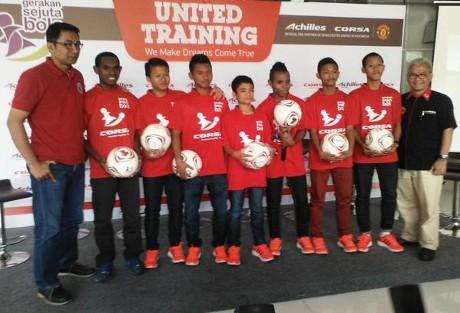 Senangnya Menimba Ilmu di Manchester United Soccer School